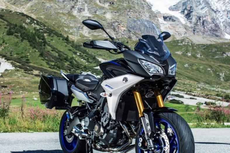motorcycle rental UK, guided motorcycle tours